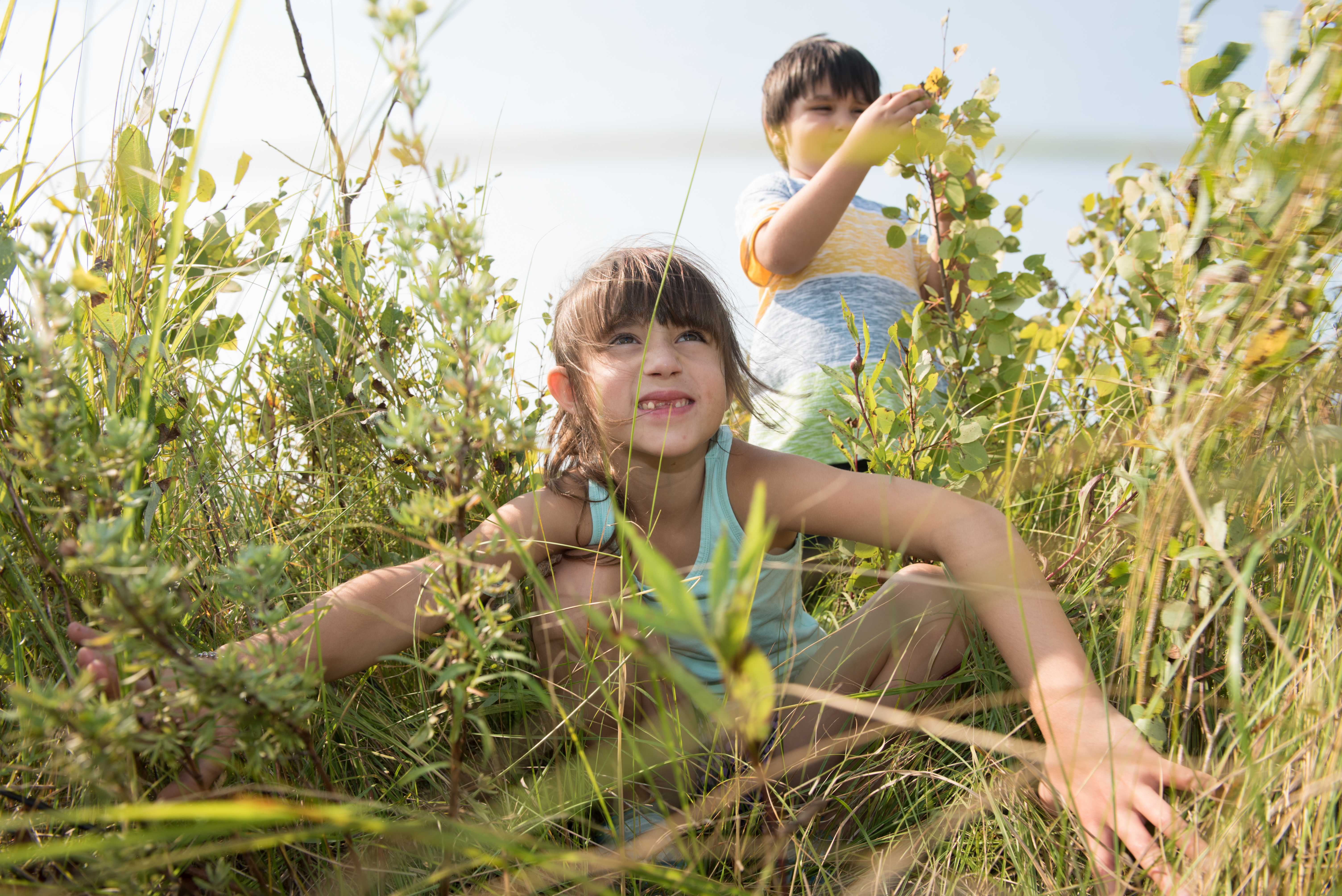 Children-at-Weston-Family-Tall-Grass-Interpretive-Centre-Thomas-Fricke